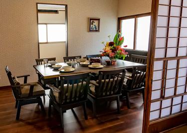 えびすまち高田屋 食卓スペース01